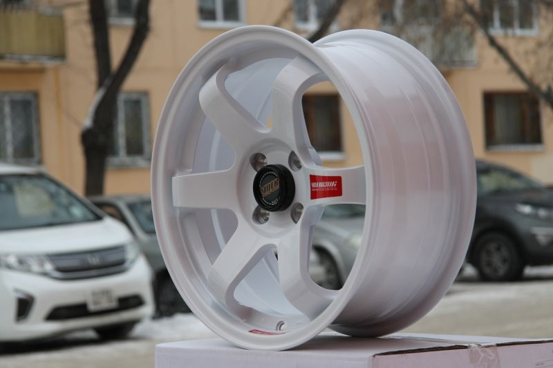 Диск Volk Racing TE37SL R15 5*114.3 +30/73.1 7.0 Gloss White