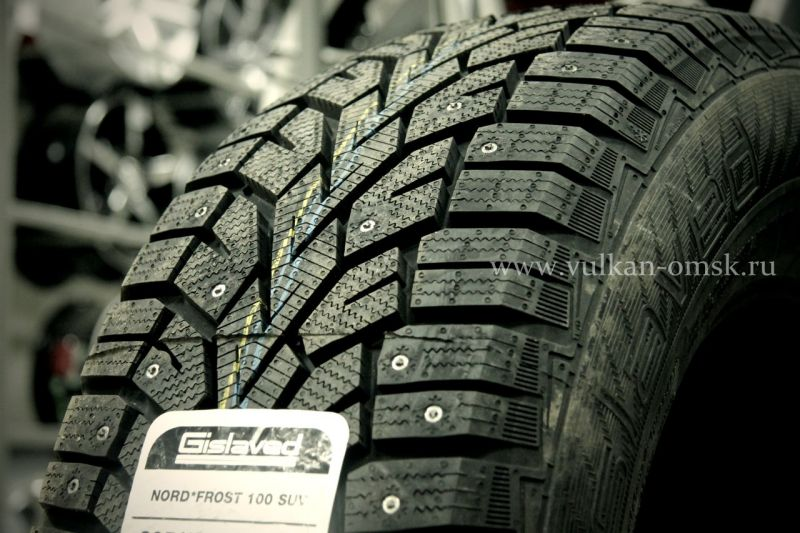 Gislaved Nord Frost 100CD 215/50 R17 95T (шип.)