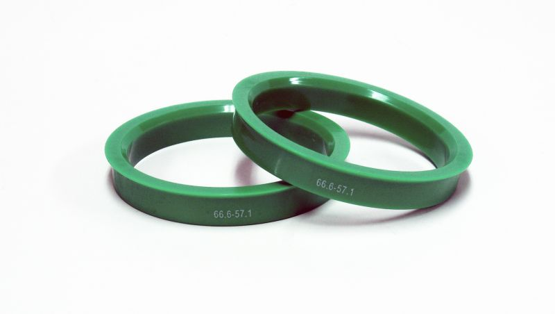 Кольцо центровочное пластик (67,1-58,6)